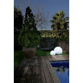 Iluminación de jardín LEDS C4 Bola exterior blanca 40 cm modelo Cisne 55-9156-M1