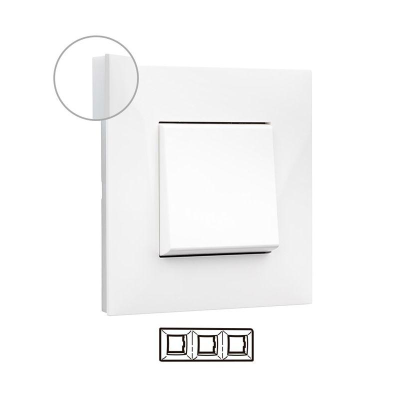 Interruptores y Enchufes por marca LEGRAND Marco 3 elementos blanco con lateral opal Valena Next 741003