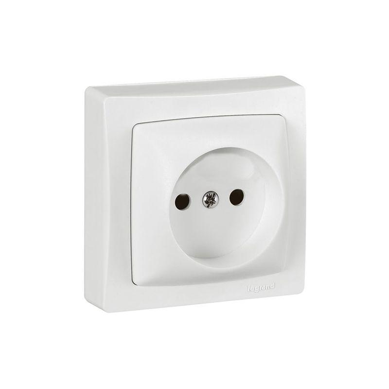 Interruptores y Enchufes por marca LEGRAND Base enchufe 2P de superficie monobloc blanco Legrand Oteo 086025