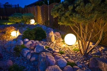 Iluminación del jardín. 8 ideas para mejorarlo