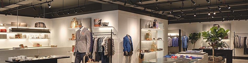 Iluminación LED de tienda de ropa y bolsos