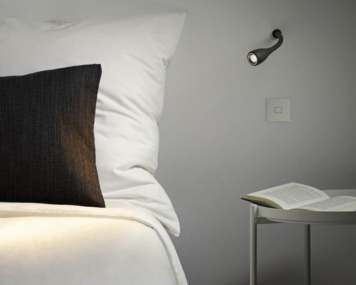 Luminaria de pared para leer en la cama Dream de Arkoslight. Compra en Qmadis