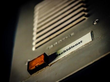 door-speaker-959580__340