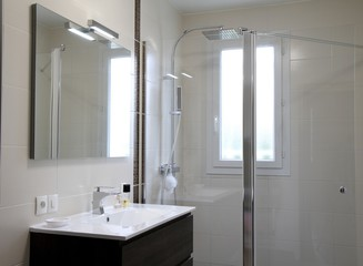 Iluminación puntual del espejo en qmadis