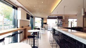 iluminacion led de restaurante y bar en qmadis
