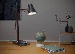 Lámpara de mesa PANAN Alu USB de Ledvance en Qmadis