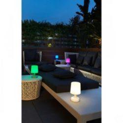 Lámpara de sobremesa RGB con mando LED Chillout en Qmadis
