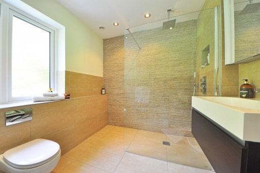 Cómo iluminar la zona de ducha del baño