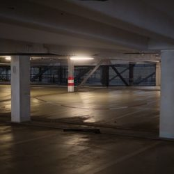 Iluminación con luminarias LED estancas Ledvance en Qmadis