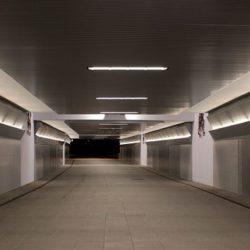 Iluminación en pasillo con Ledvance en Qmadis