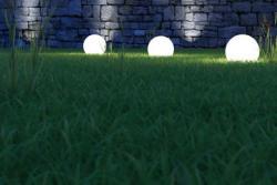 Iluminación chill out con bolas blancas
