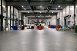 Iluminación  de industria con pantallas estancas LED