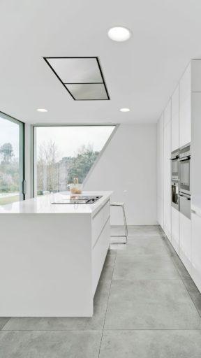iluminacion led de cocina minimalista en Qmadis